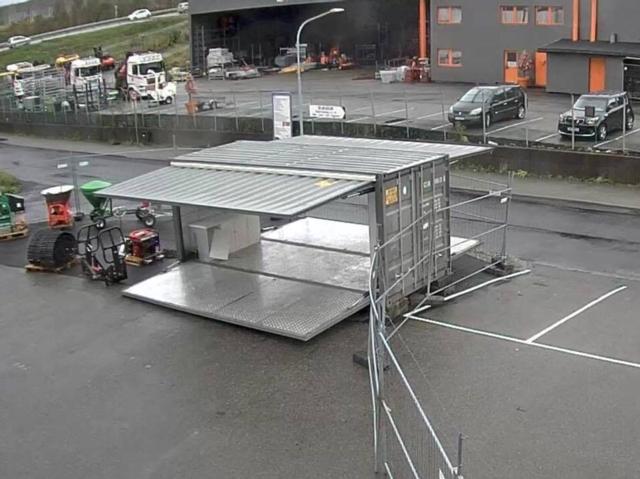 Container med åpning på to sider