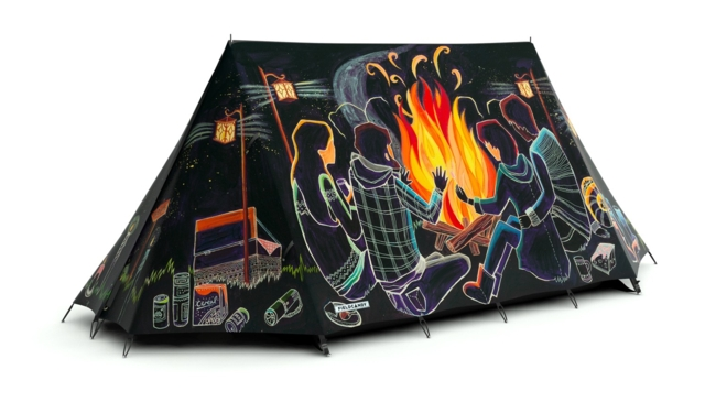 FieldCandy Telt Light on fire